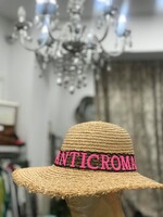 Сламена шапка с цветен надпис