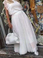 Дълга пола в бяло