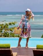 Цветна рокля с дълъг ръкав