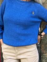 Пуловер в наситено синьо