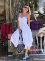 Асиметрична рокля в бяло