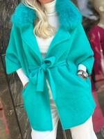 Кашмирена жилетка в неонов цвят с яка от естествен косъм