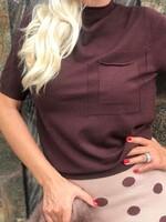 Блуза с къс  ръкав в кафяво
