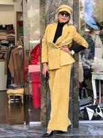 Кадифен костюм в жълто