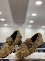 Обувки от естествен косъм в беж