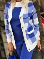 Комплект в синьо от три части с карирана жилетка