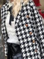 Карирано палто със златни копчета