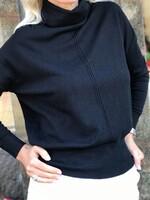 Кашмирено поло със свободен силует в черно