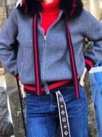 Жилетка тип суичер с червен кант в сиво