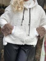 Късо палто Teddy Bear в бял цвят