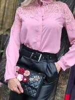 Розова риза с дантела