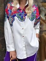 Риза в бяло с флорални мотиви