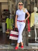 Блуза в бяло с яка