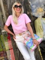 Тениска в розово с бял надпис