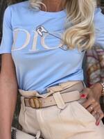 Тениска в небесно синьо с декорация