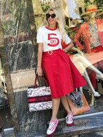 Червена пола с колан