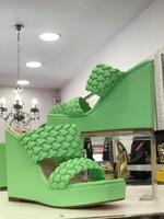 Чехли на платформа в зелено