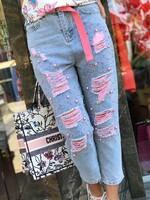 Накъсани дънки с розови перли