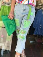 Накъсани дънки със зелени перли