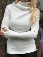 Памучно поло в бял цвят
