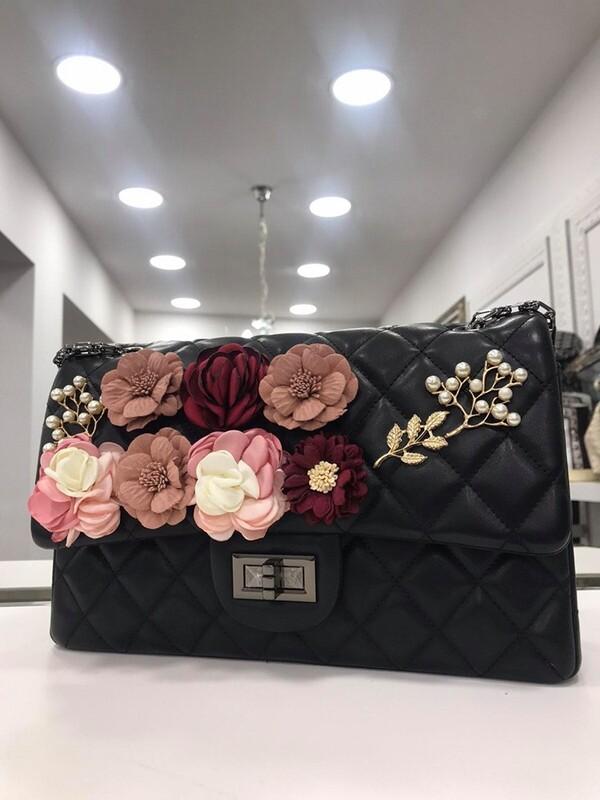 Чанта с 3D цветя