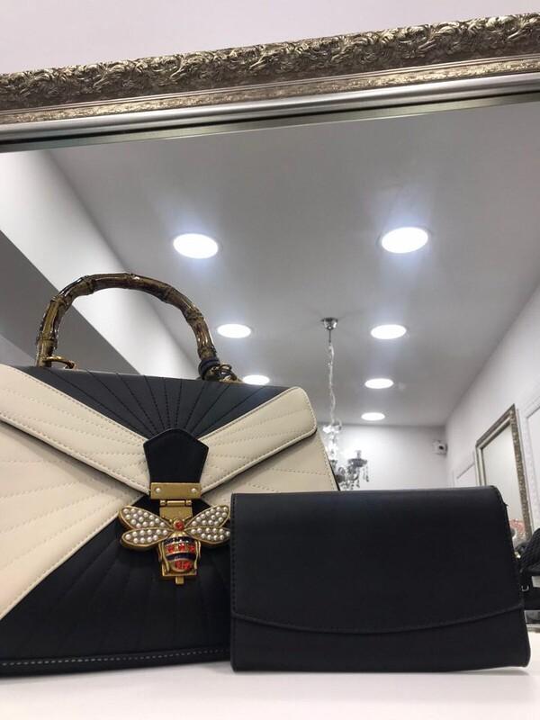 Чанта в класически цветове
