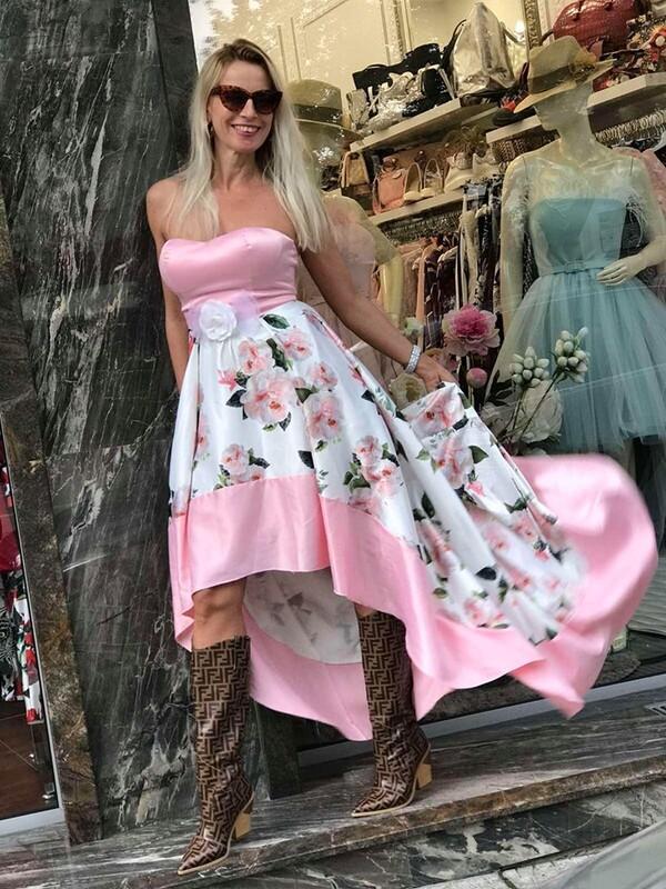 Ефирна рокля с рози