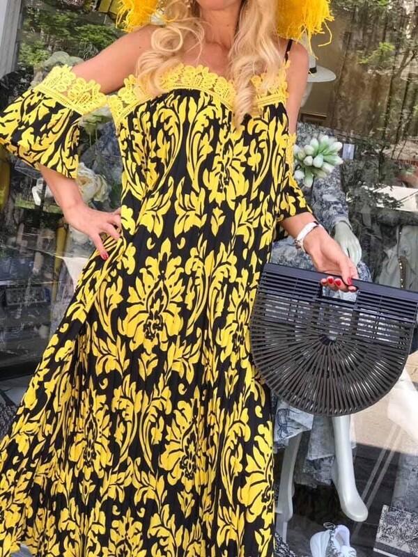 Ефирна рокля с жълта дантела