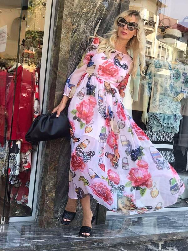 Дълга рокля с 3D пеперуди