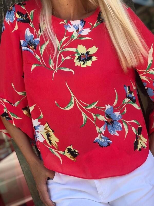 Блуза в корал с цветя