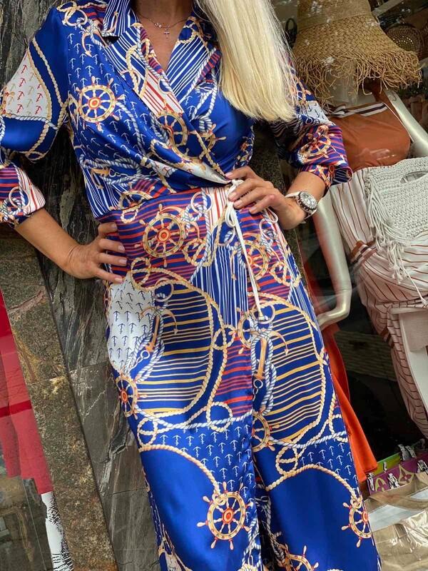 Синя рокля с морски мотиви