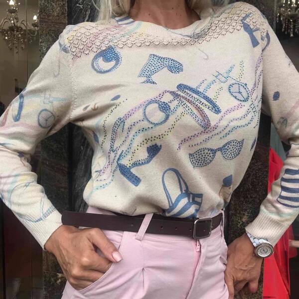 Фин пуловер в бежово