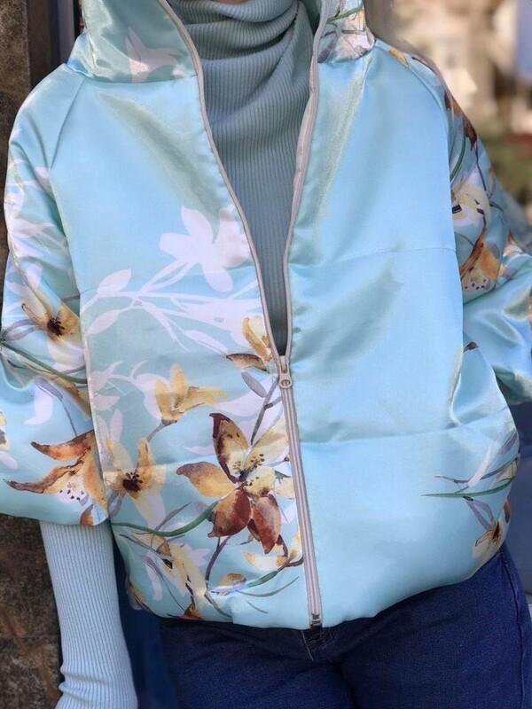 Ментово яке на цветя