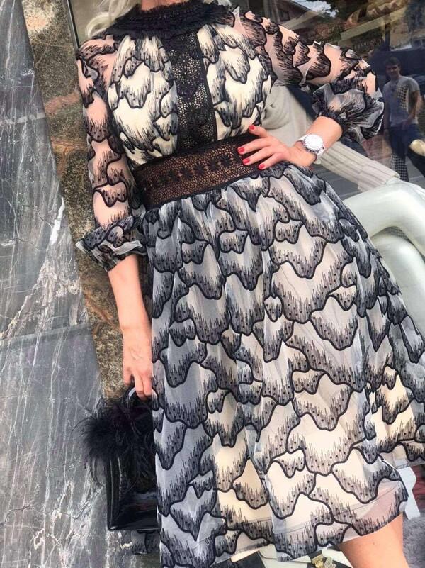 Шифонена рокля в бежово