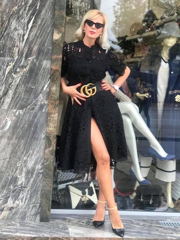 Черна дантелена рокля