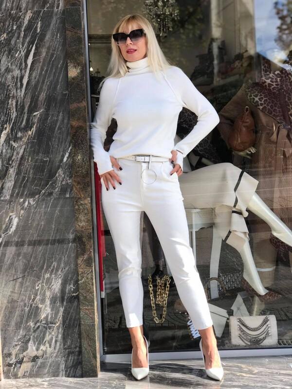 Бял панталон с колан