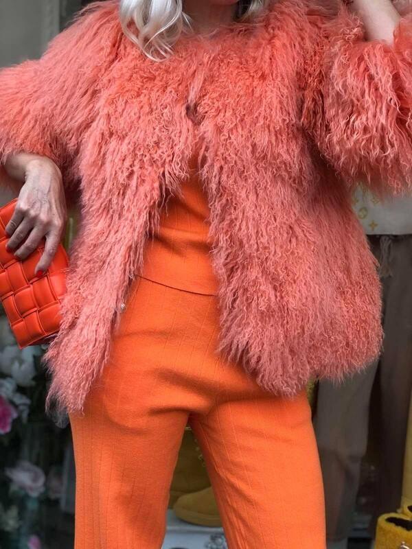 Палто с косъм от лама