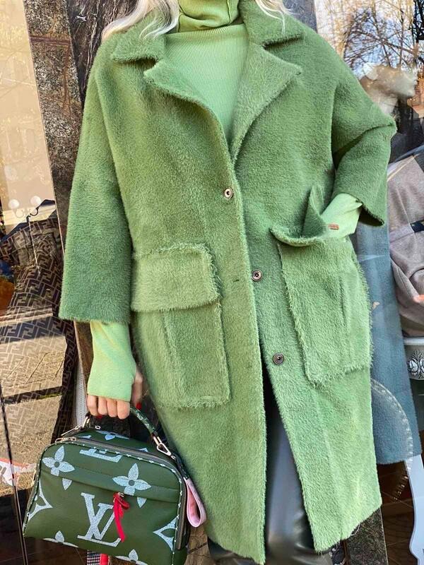 Кашмирено палто с зелено с големи джобове