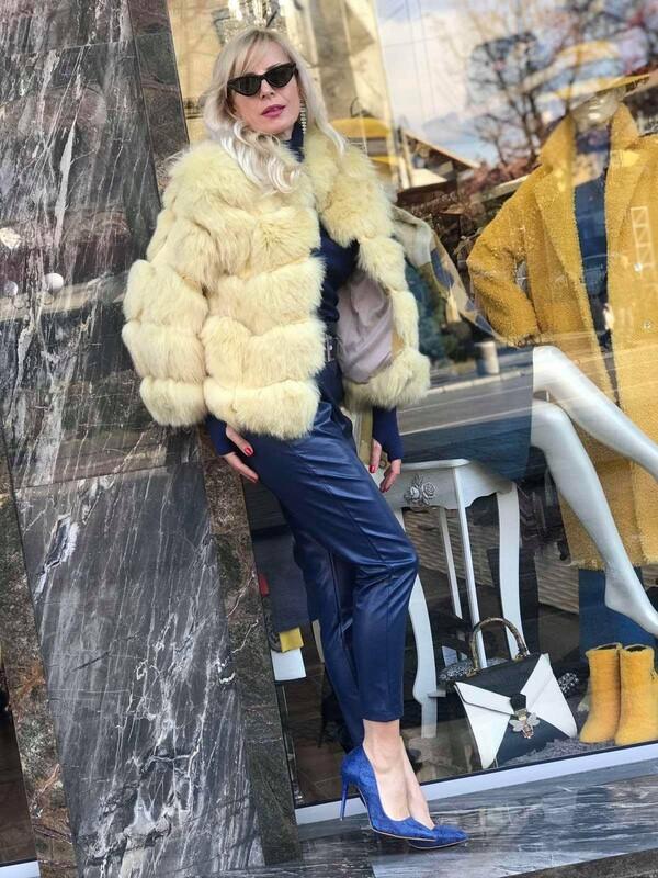 Палто в блетдо жълто от естествен косъм