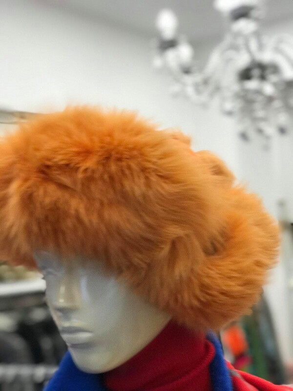 Шушлякова ушанка в оранж