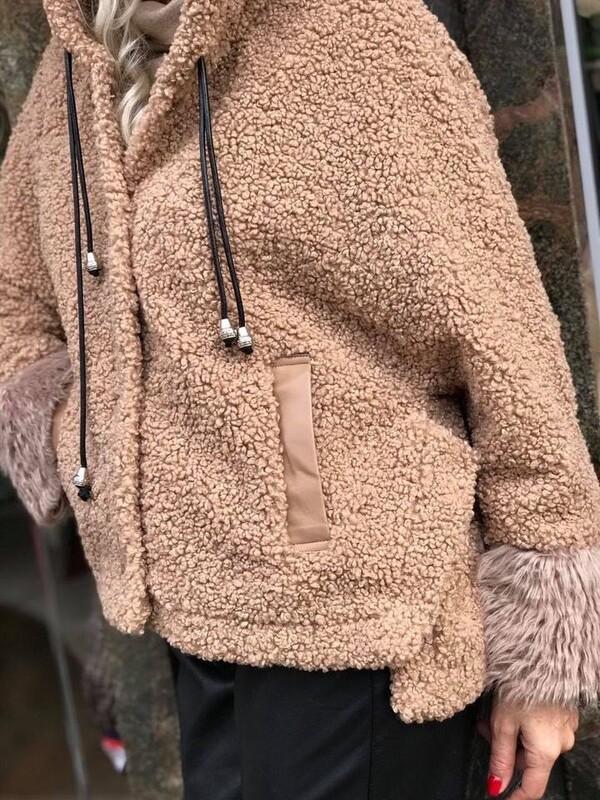 Късо палтоTeddy Bear в кафяво