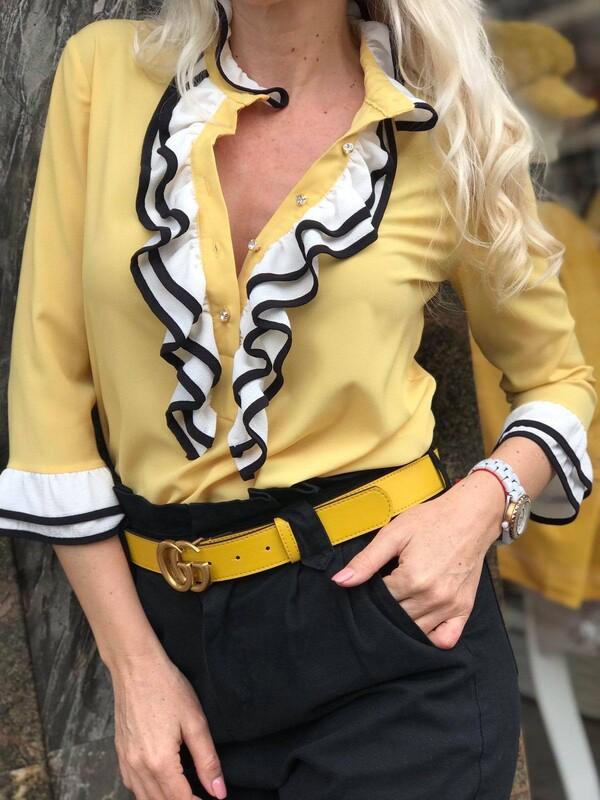 Жълта риза с жабо