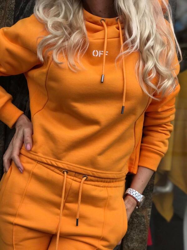 Спортен сет в оранжево