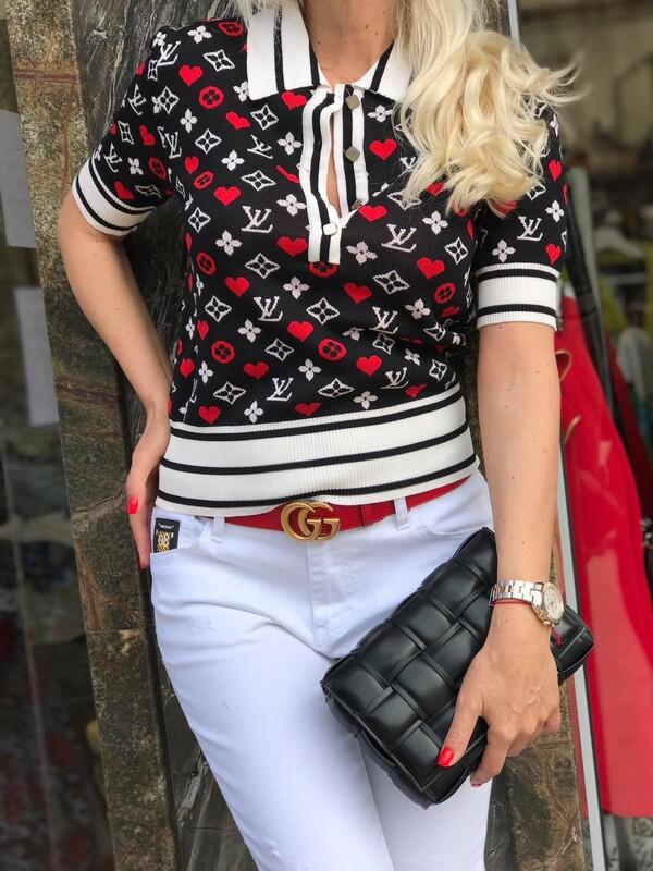 Блуза с къс ръкав на сърца