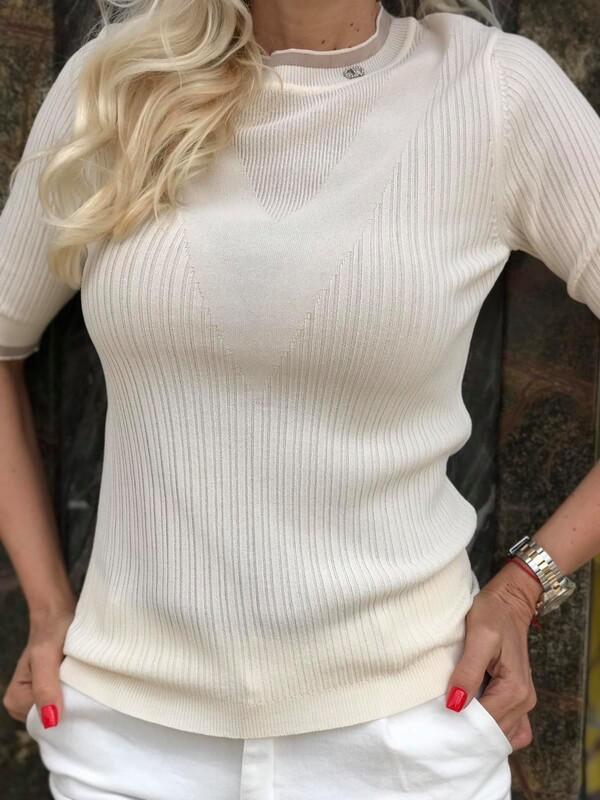 Изчистена блуза в екрю