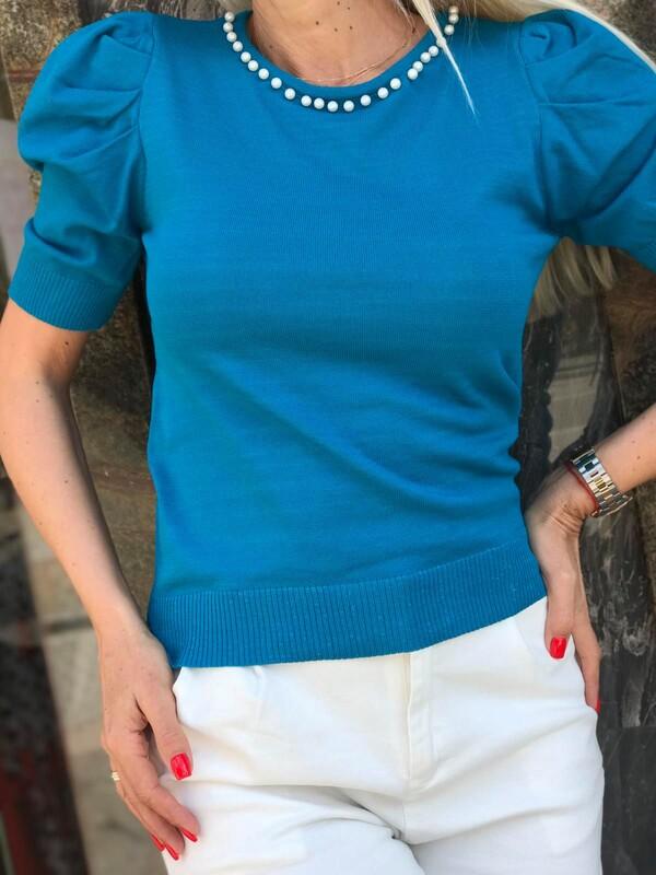 Блуза с перли в синьо
