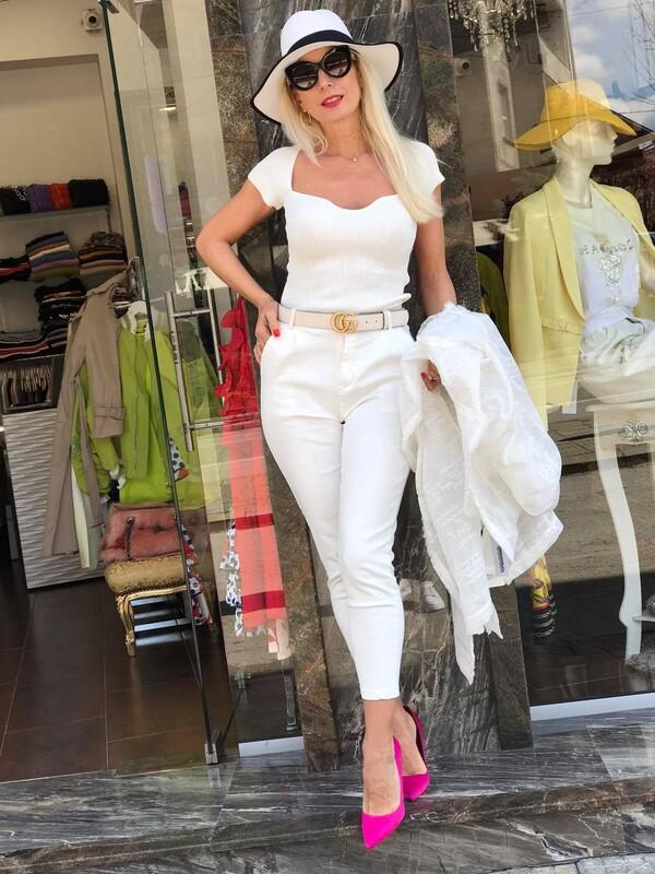 Блуза от фино плетиво в бяло
