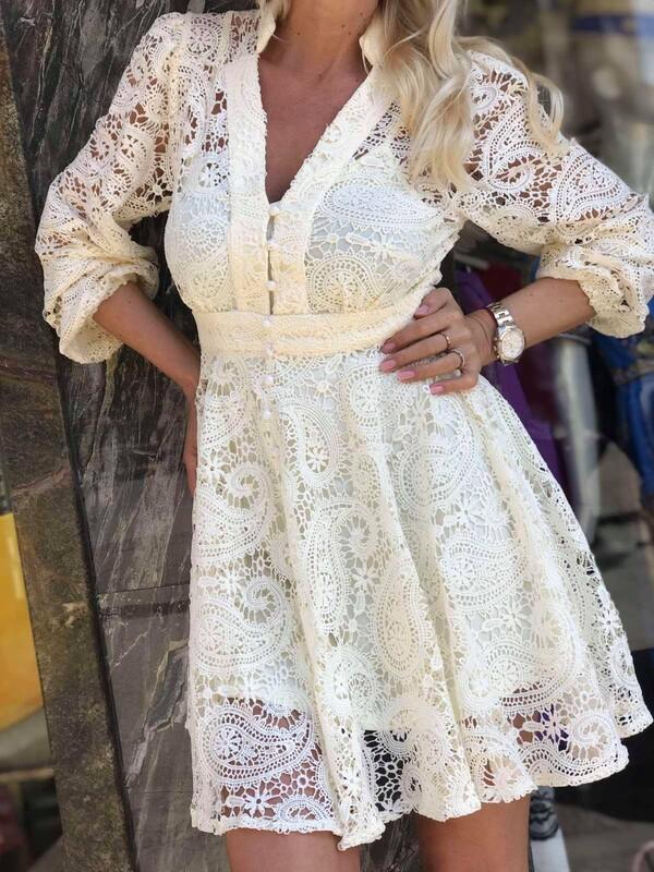 Къса Дантелена рокля в бяло