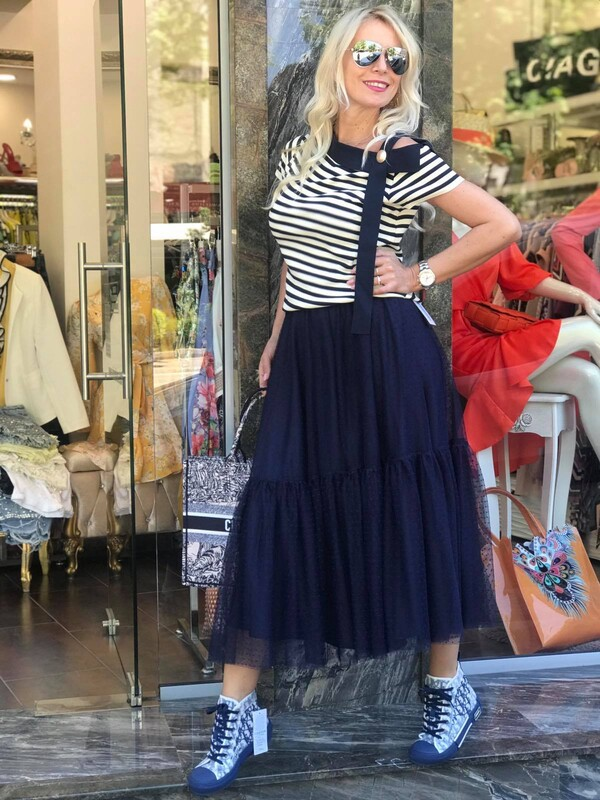 Блуза в морско райе с лодка деколте