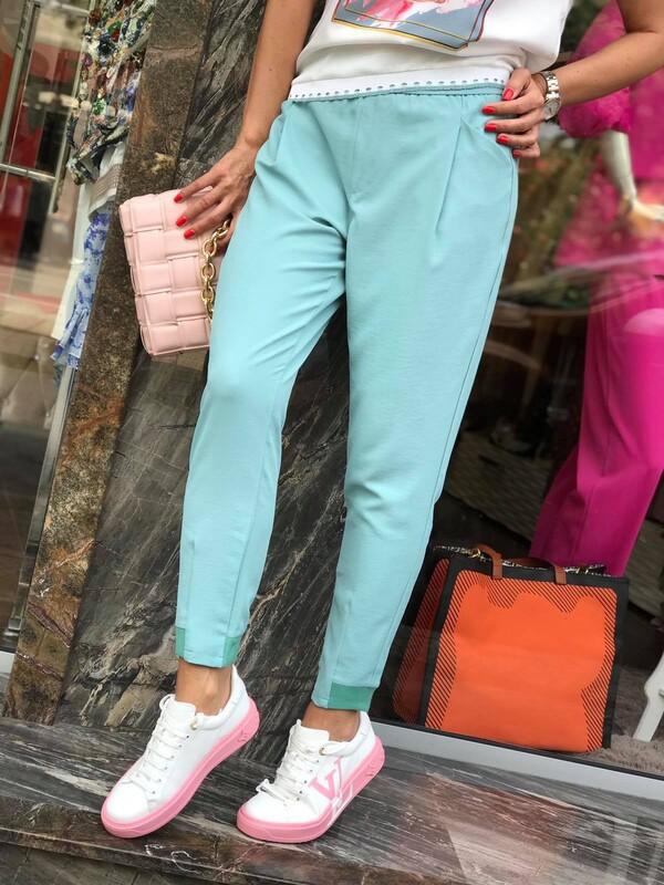 Летен панталон в цвят мента